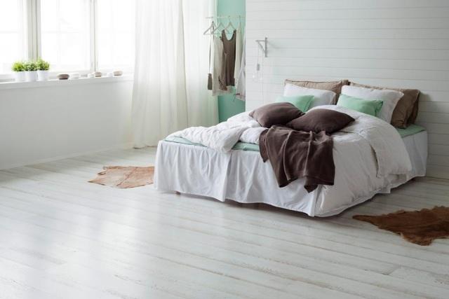 Parchet stejar tripluStratificat 3 Strip Shoreline alb - dormitor